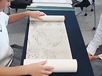 絵巻の取り扱い体験と日本画材料