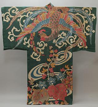 布団の図柄になった鳳凰と桐