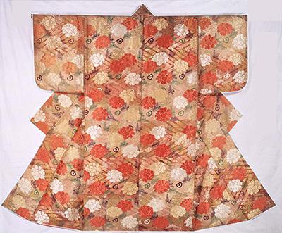唐織 紅白段牡丹若松孔雀羽模様