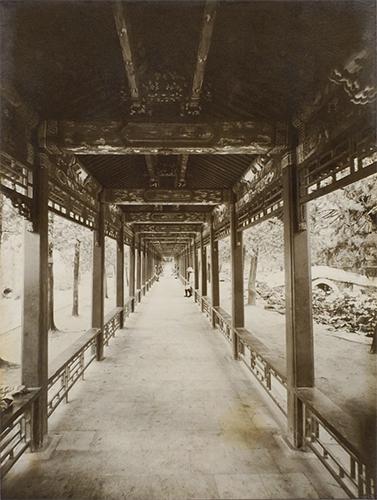 万寿山の長廊