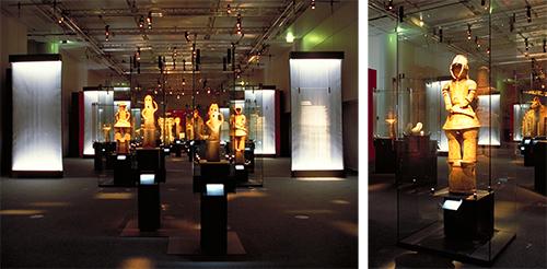 パリ日本文化会館での「HANIWA展」