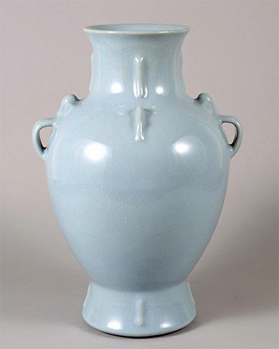 天藍釉罍形瓶 中国・景徳鎮窯 清時代・乾隆年間