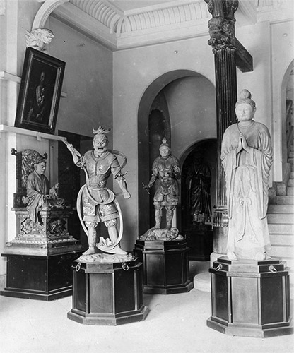 旧本館の彫刻展示室