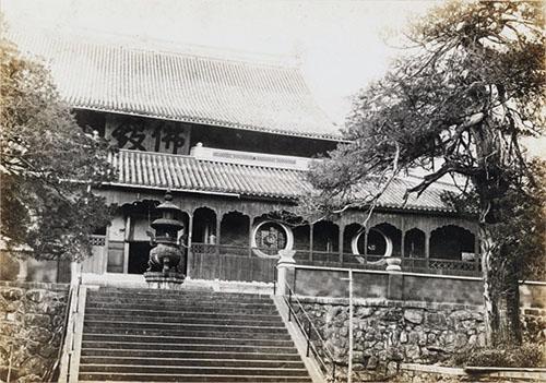 天童寺仏殿 曹洞宗の開祖、道元も修行した寺院