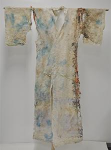 絹地染小紋型長着(高田歌舞伎衣装)修理中の中綿