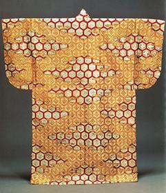 重要文化財 打掛 花菱亀甲模様縫箔 高台院所用