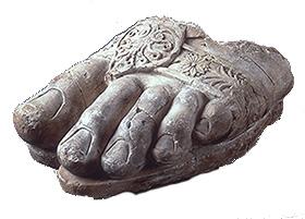 ゼウス神像左足断片