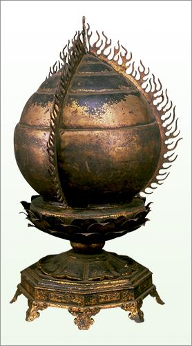 重要文化財 金銅火焔宝珠形舎利塔  鎌倉時代・13世紀 京都・仁和寺蔵