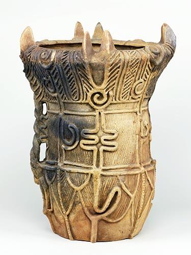 深鉢形土器(ふかばちがたどき)