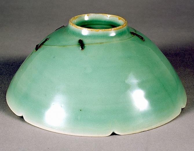 """Image of """"Celadon glazed tea bowl, known as """"Bakohan""""."""""""