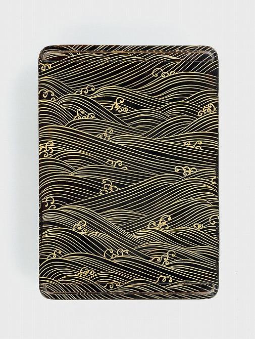 『八橋蒔絵螺鈿硯箱(やつはしまきえらでんすずりばこ)』の画像