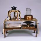 『松喰鶴蒔絵螺鈿二階棚 江戸時代・19世紀』の画像